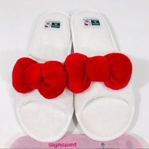 Hello Kitty Earth Therapeutics Spa Slippers  NWT